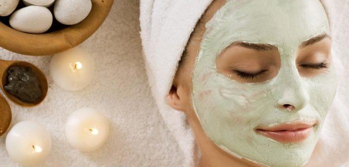 maschere per il viso fai da te per pelle secca grassa contro brufoli e punti neri