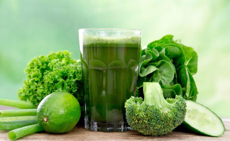 succhi verdi per perdere peso con prezzemolo