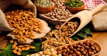 Proteine vegetali: proprietà, benefici e gli alimenti più ricchi. Scopri le proprietà benefiche delle proteine vegetali, il loro ruolo nell'organismo, i benefici per la salute e i cibi più ricchi di proteine vegetali.