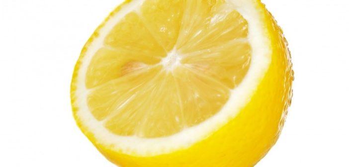Limone proprietà benefici e controindicazioni