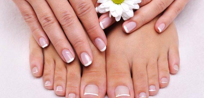 Micosi delle unghie (onicomicosi): cause, rimedi naturali e prevenzione. Scopri cos'è la micosi delle unghie, quali sono le cause del fungo delle unghie, cosa fare per prevenire l'onicomicosi e tutti i rimedi naturali per la micosi alle unghie dei piedi.