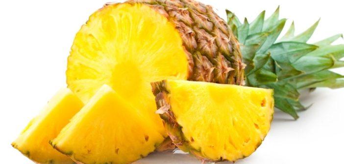 Ananas proprietà benefici usi e controindicazioni. Scopri le proprietà benefiche dell'ananas, gli usi in cucina, le controindicazioni e gli effetti collaterali.